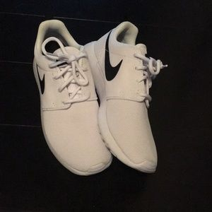 Nike Rosche's woman's